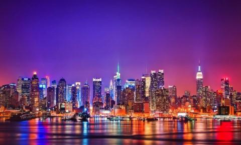 השתקפות ניו יורק במיים