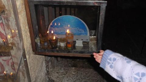 מסלול חנוכיות ואור בעיר העתיקה המתאים גם לעגלות ילדים וכסאות נכים.