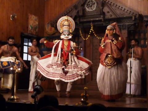 מופע התיאטרון הקוטיקאלי - צילום נועה הראל