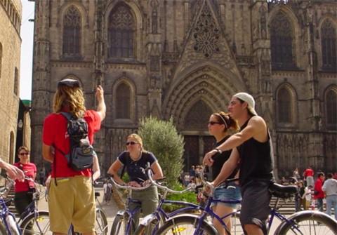 סיור אופניים של חצי יום בברצלונה