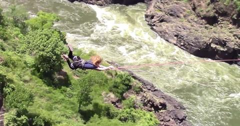 Gorge Swing - נפילה חופשית - צילום של חברת Wild Horizons