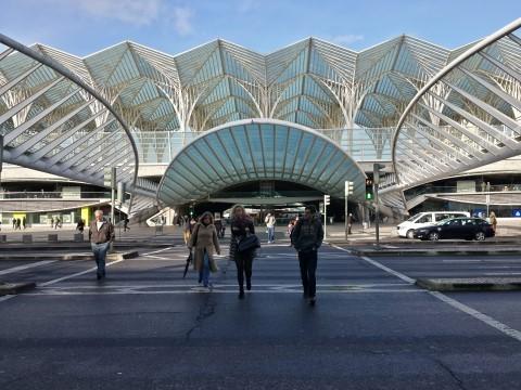 תחנה מרכזית אוריינט (Oriente) בליסבון - הולך ומתכער ככל שמתקרבים.
