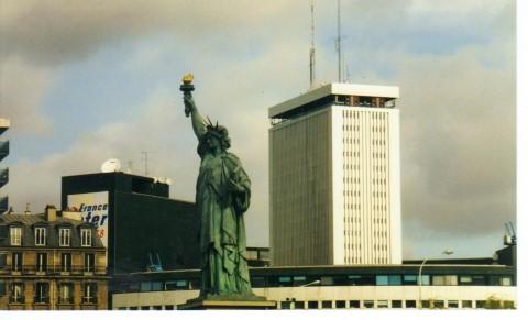 דגם של פסל החירות שבניו-יורק