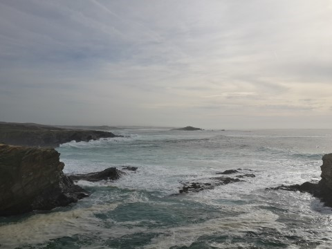 פורטו קובו - נופים עוצרי נשימה - עצמת האוקיאנוס וחופים לבנים ושקטים