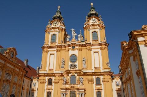הצעה לטיול יום מווינה למנזר מלק ולעמק הדנובה