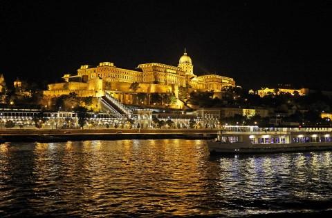 שייט עם ארוחת ערב על נהר דנובה בבודפשט