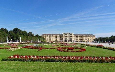 דלגו על התור: סיור מודרך בארמון שונברון וסיור היסטורי בעיר ווינה