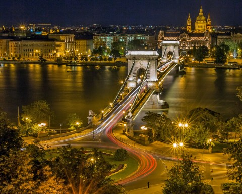 סיור בבודפשט באוטובוס הגדול עם אפשרות ירידה ועלייה בתחנות