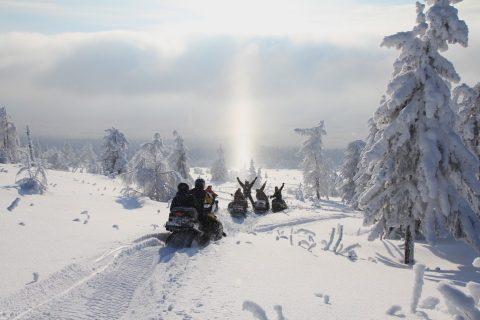 מגיעים לדייג על אופנועי שלג..!