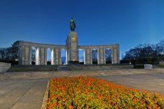 visite-pied-de-berlin-les-derniers-jours-de-la-seconde-guerre-mondiale-in-berlin-111175