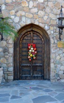 door-1136221_640