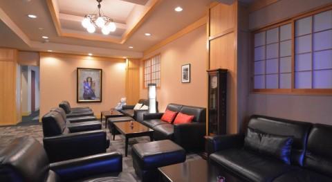 מלון יפני מסורתי ריוקאן עם אונסן בניקו