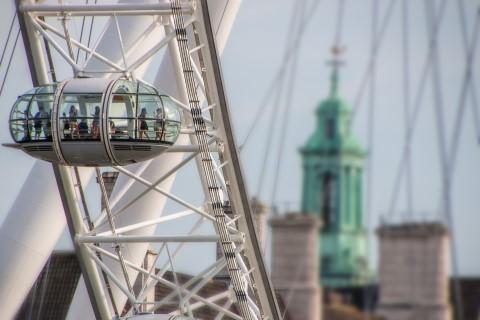 איך לעקוף תורים ארוכים באטרקציות של לונדון