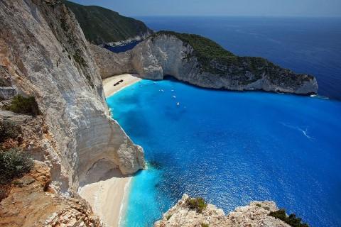 טיסות מומלצות לחופים הטובים ביותר באירופה בחודשי מאי - אוקטובר