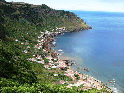 מסלול של שבוע ביעד חדש ומדהים: האיים האזוריים