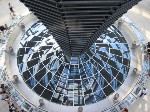 מבט מיוחד בבנין הריכסטאג dreamstimefree_576554