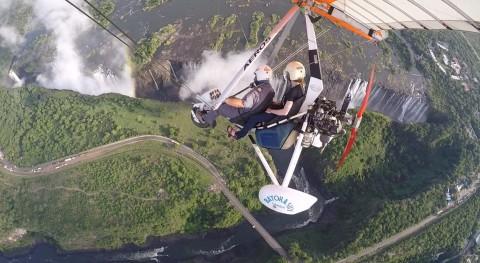 טיסה ברחפן ממונע - צילום של חברת Batoka Sky