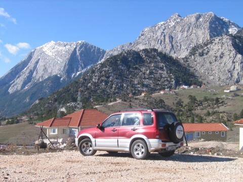 """תורכיה: """"הג'יפים מובילים אותנו למקומות גבוהים ומרוחקים, שרכב רגיל לא יוכל להגיע אליהם""""(צילום: גלי חיטמן-מרגלית)"""