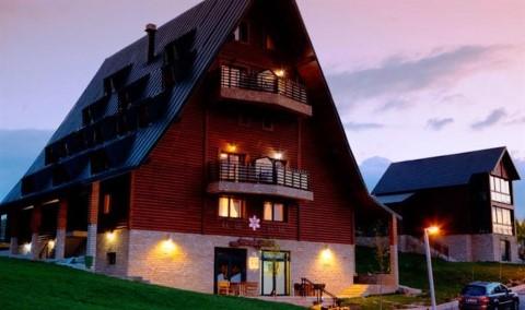 http://www.hotels-seeker.com/Hotel/Apart_Hotel_Polar_Star.htm