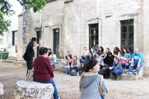בעקבות הטמפלרים בבית לחם הגלילית עם ההיסטוריון והשחקן קובי פליישמן; צילום: אדם חרמון
