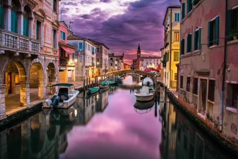 סיור רגלי בלתי נשכח ושיט גונדולה חלומי בוונציה