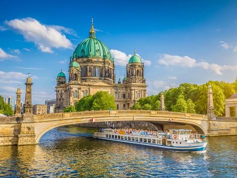 איזה סיורים מקצועיים יש לקחת בטיול בברלין?