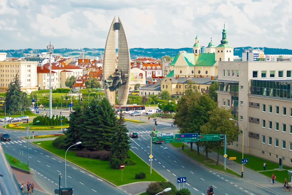 המדריך המושלם למטייל בז'שוב, פולין