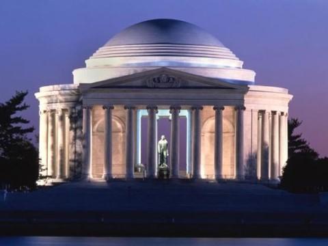 סיור לילי בוושינגטון DC במונומנטים החשובים בהיסטוריה של ארה
