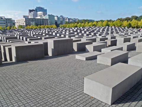 Memorial_to_the_Murdered_Jews_of_Europe. photo: JoJan wikipedia